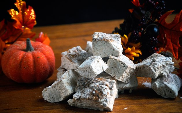 Homemade-Pumpkin-Spice-Marshmallows3.jpe