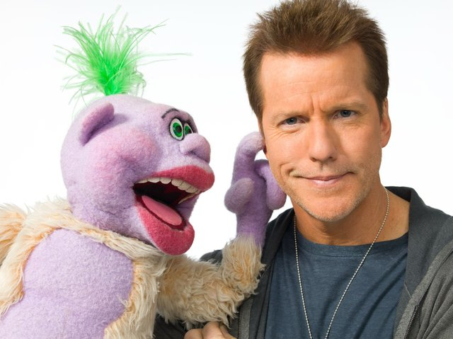 JeffDunham-and-Peanut-Photo-Credit--Andrew-Smallz-and-Jared-Raskind.jpe