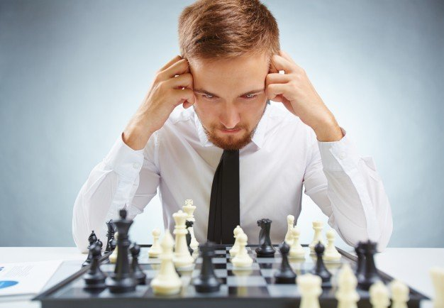board-idea-player-chess-young_1098-6929.jpe