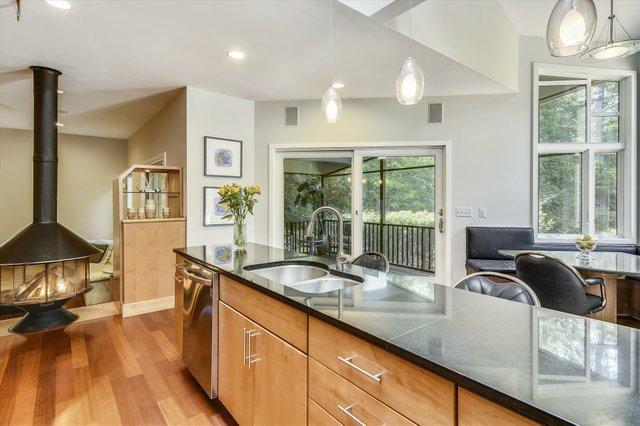Main Level-Kitchen-_DSC5146.JPG