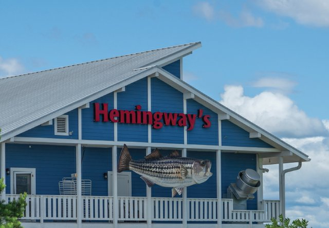 Big _0001s_0001_hemingways.jpg