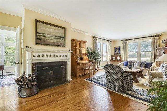 Main Level-Living Room-_DSC8620.JPG