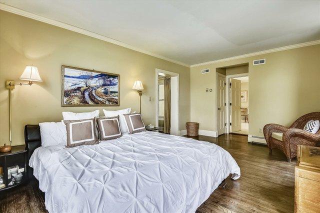 Upper Level 1-Master Bedroom-_DSC8507.JPG
