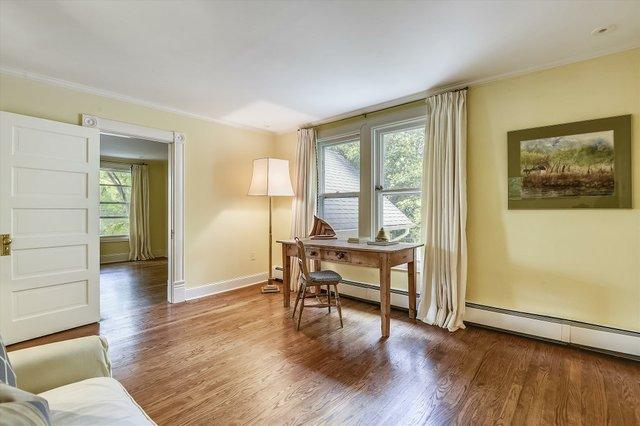 Upper Level 1-Sitting Room-_DSC8530.JPG
