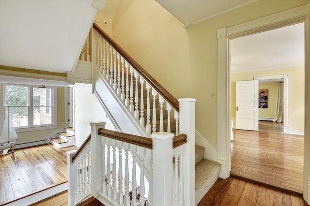 Upper Level 1-Stairs-_DSC8525.JPG