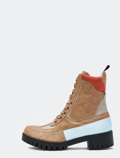L0120_0001s_0003_shoe 1.jpg