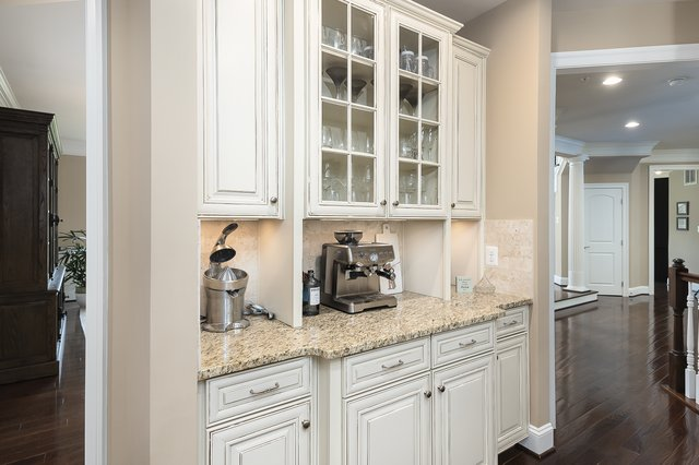 009_17_KITCHEN BEVERAGE AREA.jpg