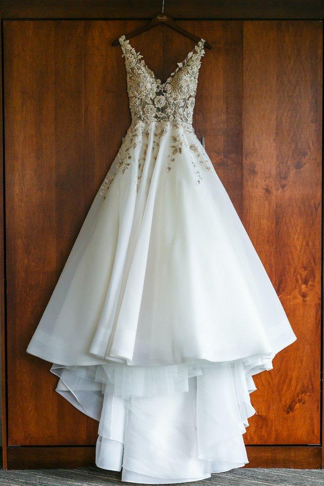 Bronfein-Getting-Ready-Bride-23.jpg