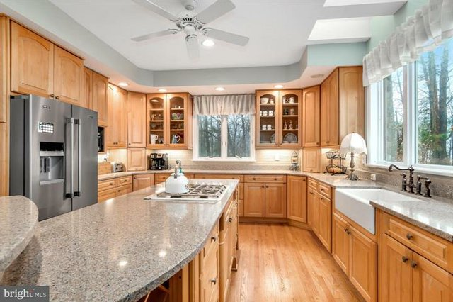 265 Lighthouse View-Kitchen.jpg