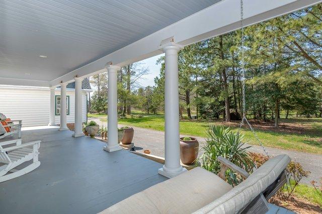500 Goodhand Creek Farm Ln-print-007-060-Front Porch-4200x2800-300dpi.jpg