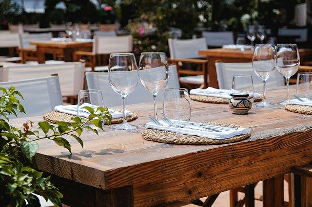 outdoor-dining.jpg